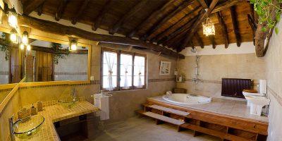 bano2-casa-rural-las-herencias