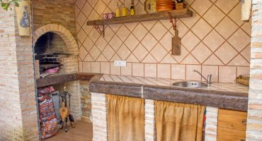 cocina-exterior-casa-rural-las-herencias