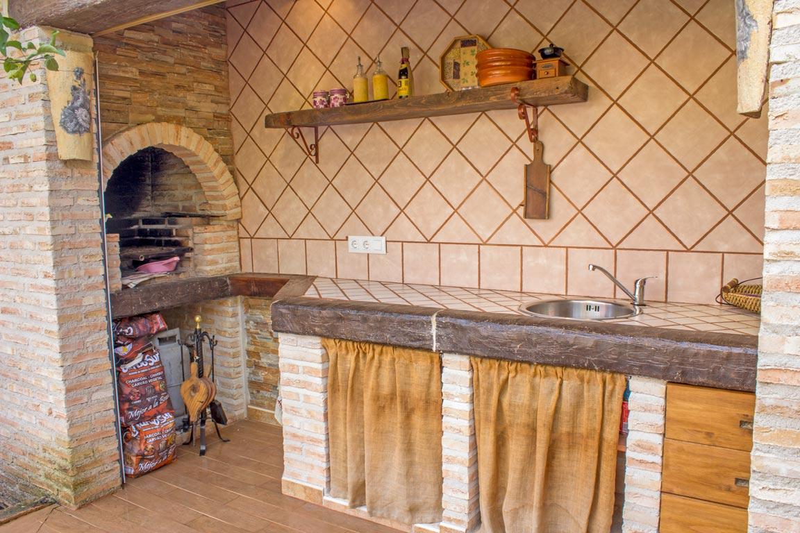 Cocina exterior casa rural las herencias casa rural las herencias - Casa rural las herencias ...