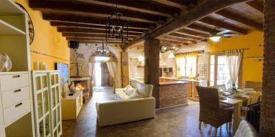 salon2-casa-rural-las-herencias